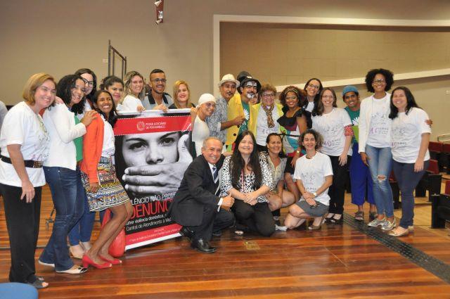 Equipes do responsáveis pelo atendimento a mulheres do Recife
