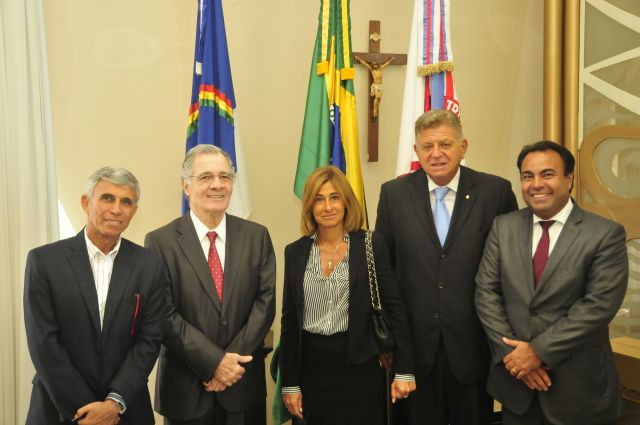 Integrantes da comitiva argentina e do TJPE