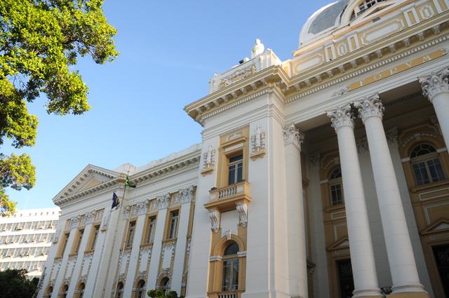 TJPE aprova provimento que regulamenta sessões do júri por videoconferência